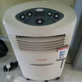 Honeywell Evaporative Air Cooler 20L CL20AE