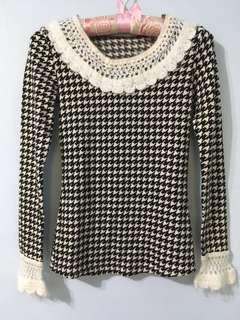 千鳥格紋長袖針織 宮廷鉤花領花邊圓領衫#十月女裝半價