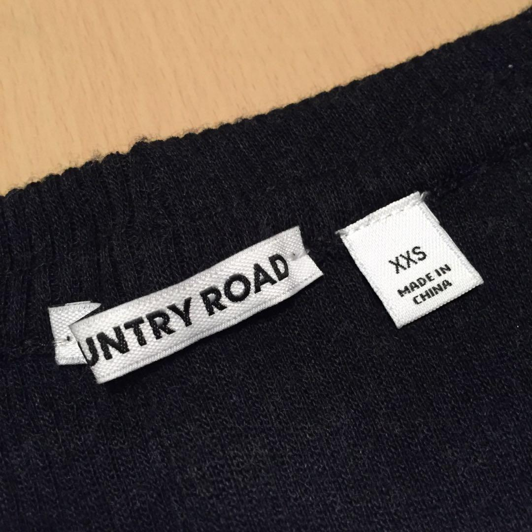 COUNTRY ROAD Off the Shoulder Knit