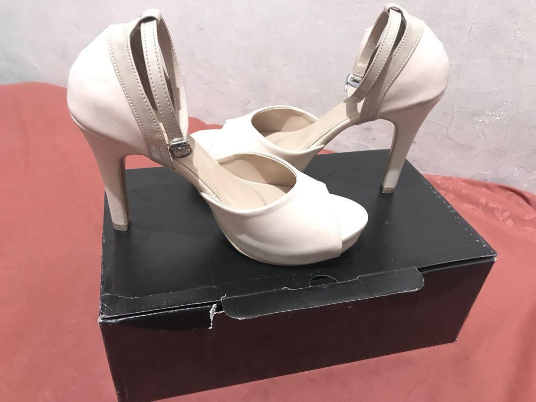 High heels mulus baru d pake 1 x.good condition
