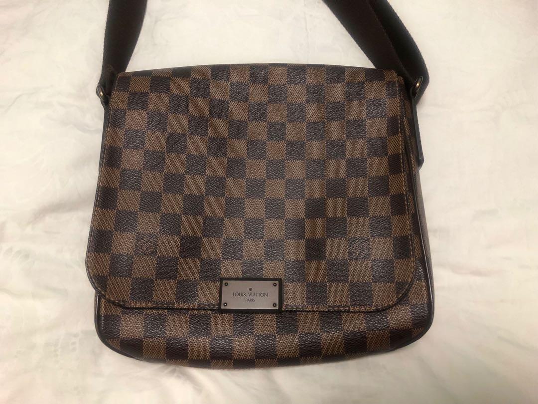 2379339d5096 LV Sling Bag Louis Vuitton