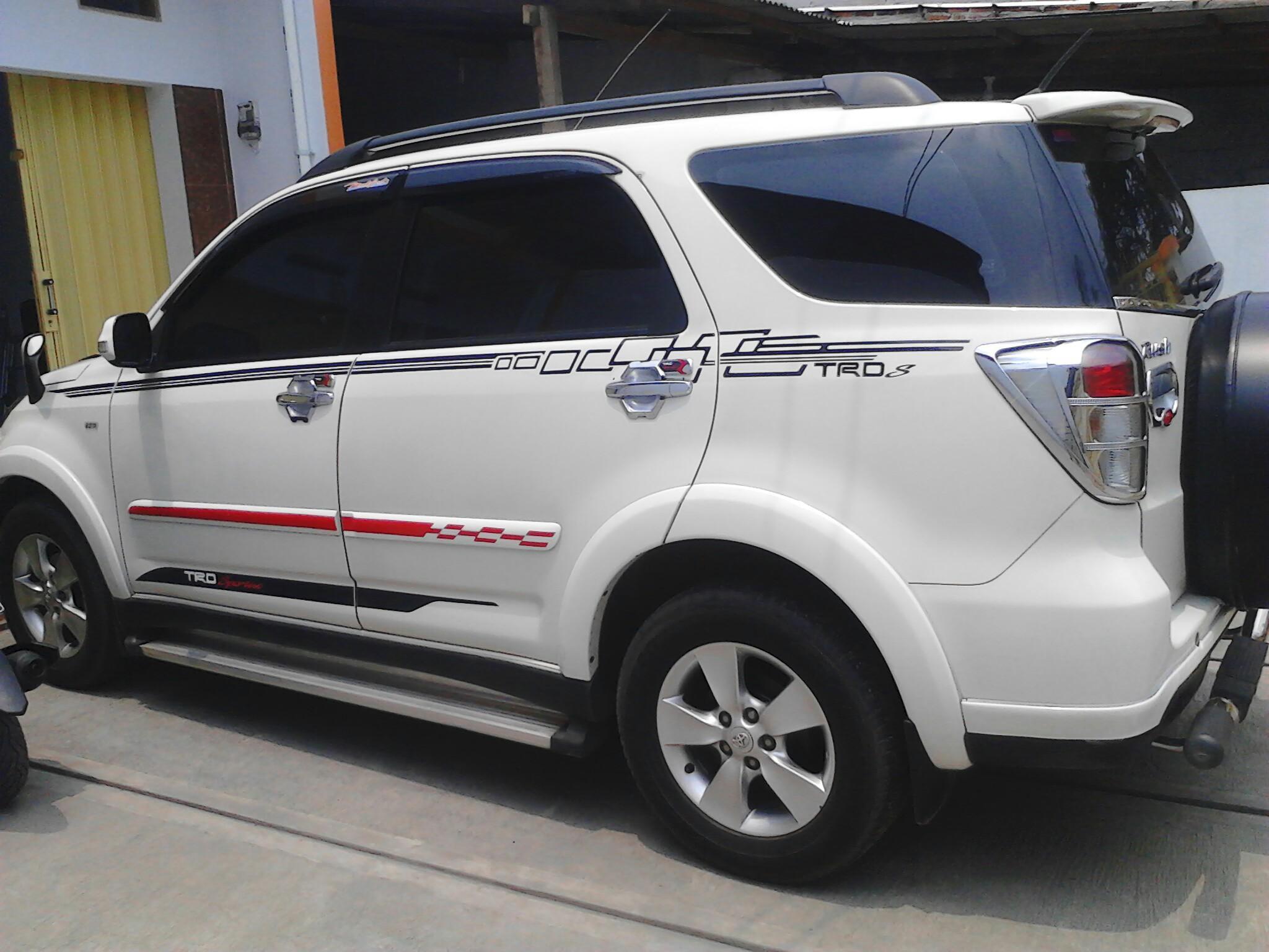 Kelebihan Toyota Rush 2013 Perbandingan Harga