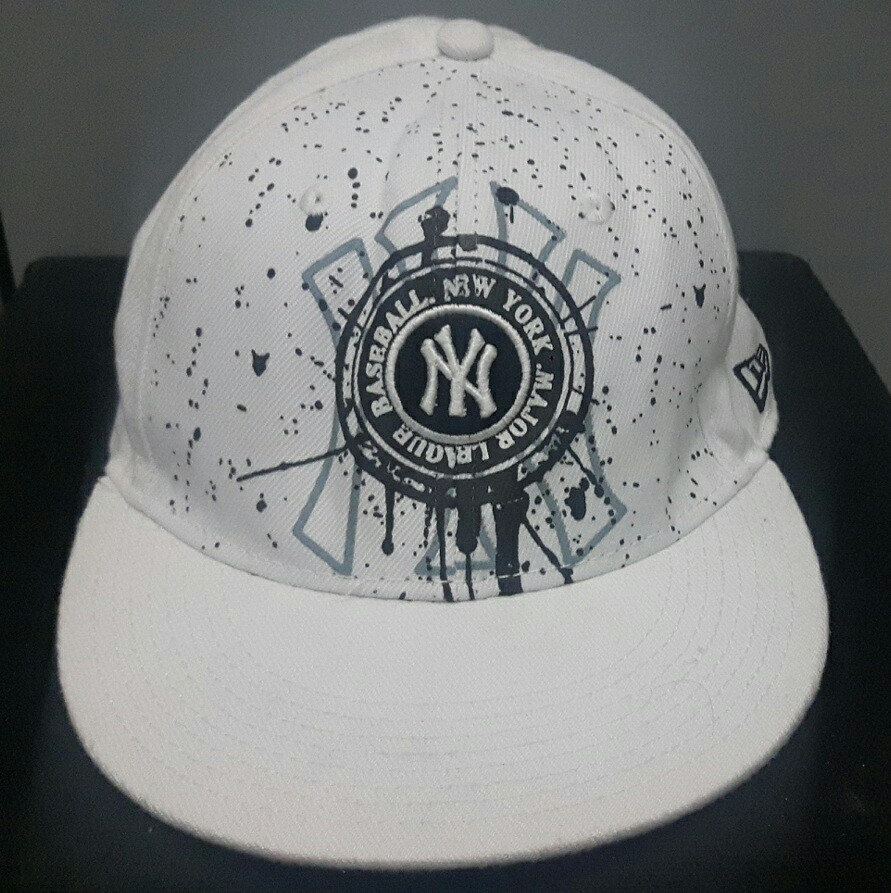 04539453680 New York Yankees 59Fifty Fitted Cap by NEW ERA x MLB