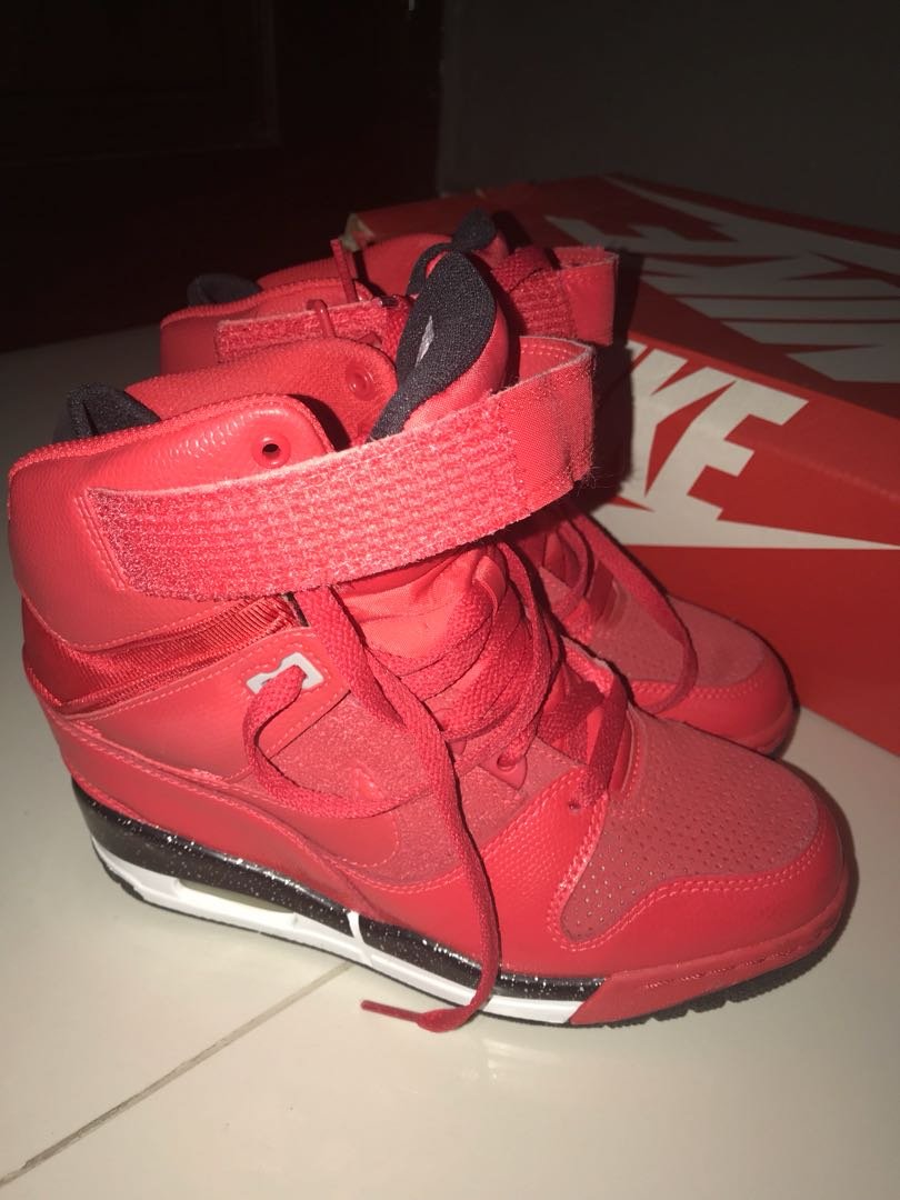 c438a68595b8 nike air revolution sky hi