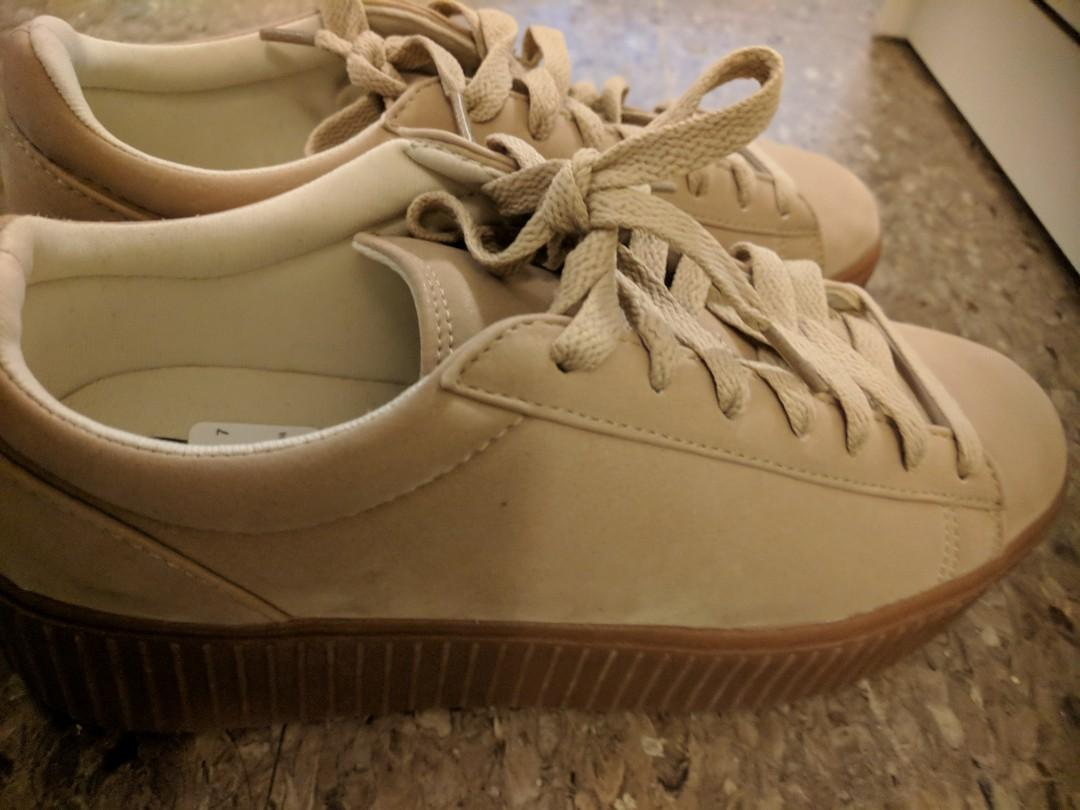 Size-7 nude color