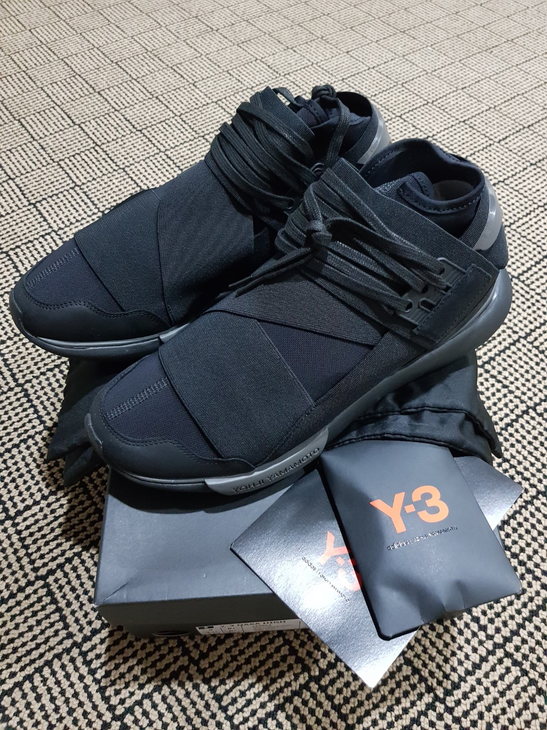 306c96289 Y-3 Qasa High Triple Black