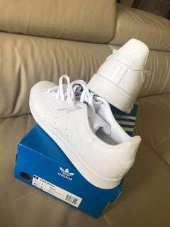 Adidas Triple white Stan Smith 100% authentic.