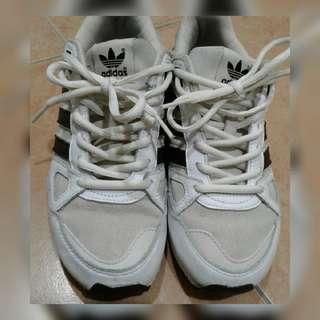 🚚 Adidas 三葉 經典米白 布鞋 23.5cm (zx750)