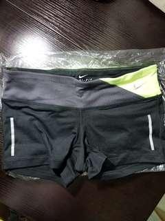 Nike 短褲 running,size 27