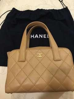 Chanel 小香真品米色手工縫線包
