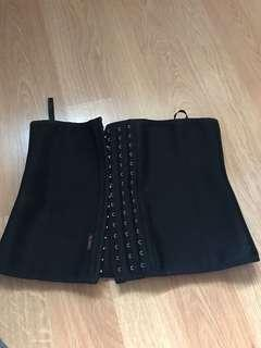 Waist trainer size medium