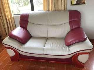 3 suite Brown/Red and creamy couches
