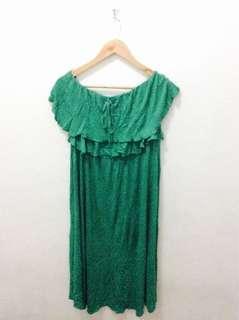 Green off should maxi dress 👗