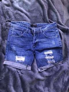 Jeans pendek/medium