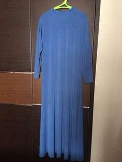 Gaun muslim biru