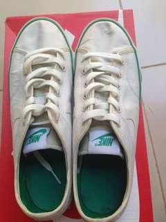 REPRICE Nike Primo Court