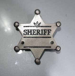 Sheriff cars batch brooch