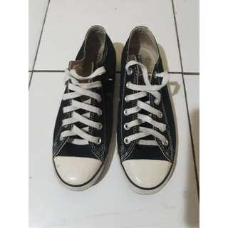 Sepatu CONVERSE ORIGINAL size 40