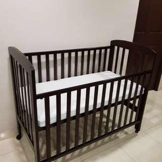 Lucky Baby Cot with mattress