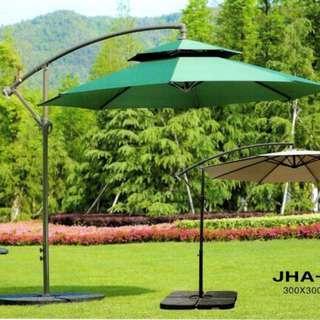 center pool umbrella