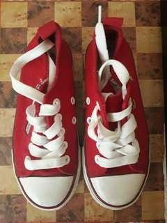 Red Converse Style Snickers