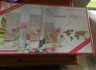Planet Earth Crimson Blossom fragrance and lotion set