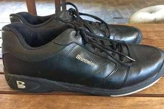 Brunswick tenpin bowling shoes size UK 8.5