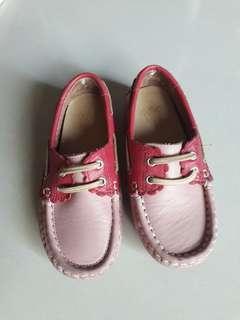 麗嬰房豆豆鞋(穿不到5次)