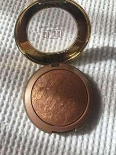 Milani Baker bronzer