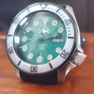 Seiko SKX007 Green MOP Dial with SII NH36A Movement Upgrade.