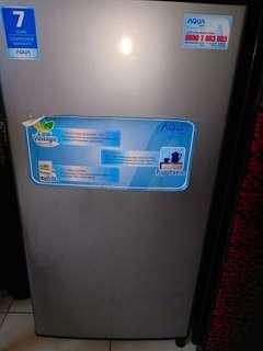 Dijual Kondisi hidup tp tidak dingin kulkas Aqua seri AQDR-D179
