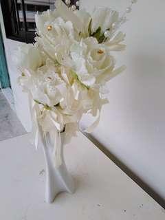 White Flowers & white vase Christmas  gift