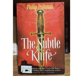 THE SUBTLE KNIFE 2nd book of His Dark Materials trilogy by Philip Pullman