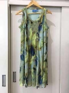 Vera Wang Flowy Dress