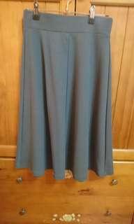 🚚 Uniqlo 綠色鬆緊傘裙
