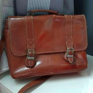 Sachs Laderwaren Vintage Leather Slingbag