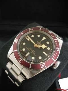 Tudor Heritage Black Bay Red 79230R In-House movement 41mm