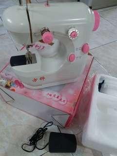 damage sewing maching(can fix)