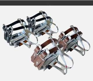 VP FIXIE Toecage Pedals - Seal bearing, double leather strap, alloy toe cage. Durable, attractive design...
