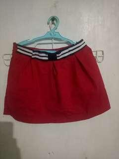 Red palda short