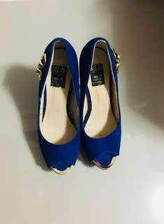 Pre-love shoes Used once only