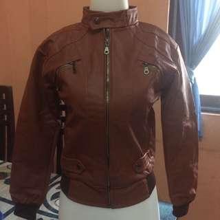 Jaket kulit coklat