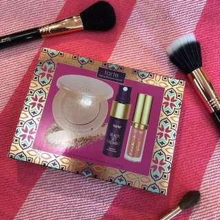 Tarte highlight, setting spray, lip paint set
