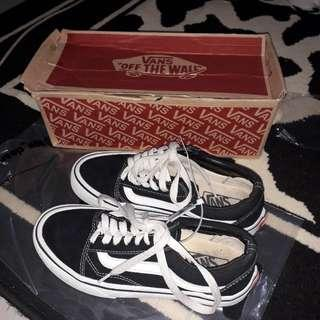 vans old skool authentic