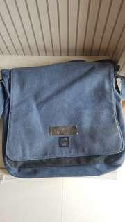 Tas Rusty messenger ori