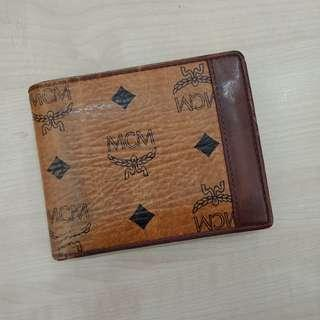 Auth. MCM Wallet