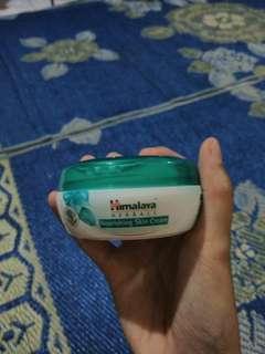 HIMALAYA Nourishing Skin Cream