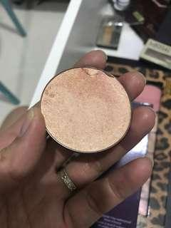 Too faced highlighter candle light glow