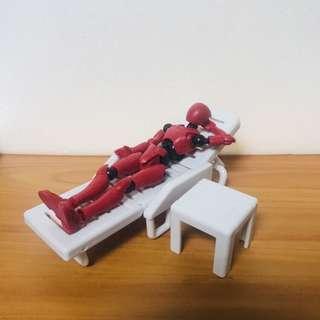 🚚 誰得?!我得!! 系列扭蛋-休閒椅+紅色人偶