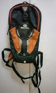 Tas Main Sepeda atau Naik Gunung